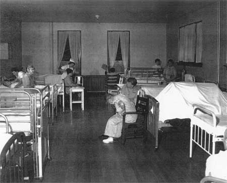 the consequences of the deinstitutionalization of the psychiatric hospitals and asylums in the unite The evaporation of long-term psychiatric facilities in the us has  by a trend  toward deinstitutionalization of mental health patients in the.